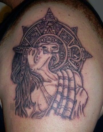 tatuajes aztecas para hombres de mujeres