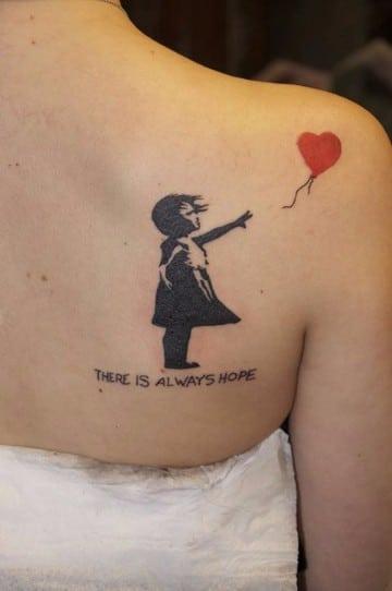 tatuajes chingones para mujeres en el hombro