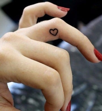 tatuajes significativos para mujeres en la muñeca
