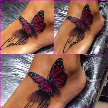 tatuajes de mariposas en el pie con nombre