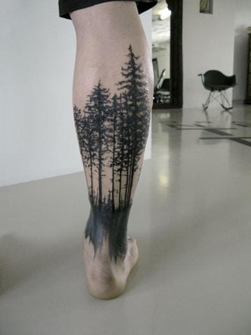 tatuajes en el chamorro para hombre bosque