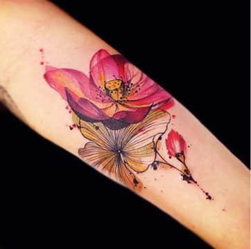 significado de flores en tatuajes en el brazo
