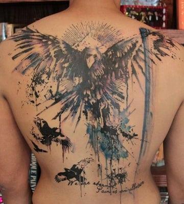 tatuajes de aguilas en la espalda significado