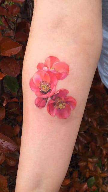 tatuajes de flores japonesas brazo