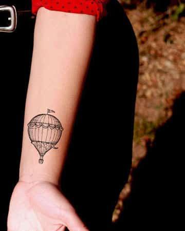 tatuajes de globos aerostaticos pequeño
