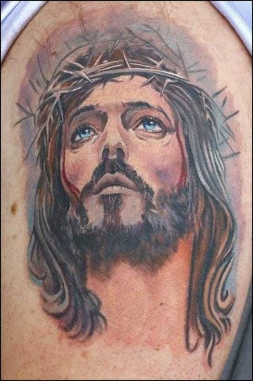 tatuajes de jesus en 3d en el hombro