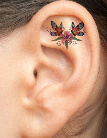 tatuajes en la oreja para mujeres pequeño