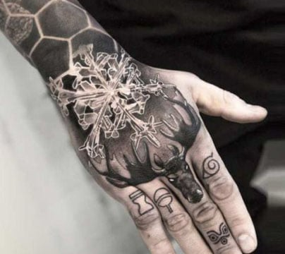 tatuajes en las manos para hombres nieve