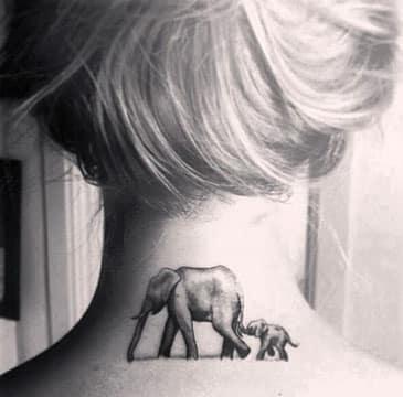 tatuajes que representen a la familia en el cuello