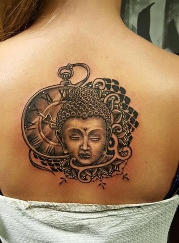 tatuajes budistas para mujeres en espalda