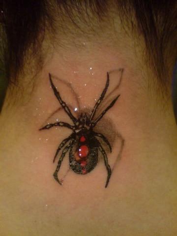 tatuajes de arañas en 3d cuello