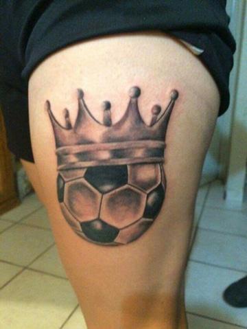 El Fanatismo Y Los Tatuajes De Futbol En La Pierna