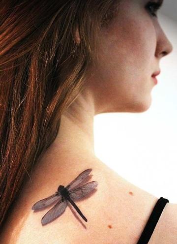 tatuajes de libelulas en 3d para mujer