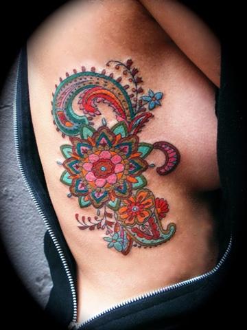 tatuajes para mujeres a color mandala