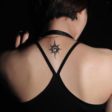 tatuajes pequeños en la espalda sol