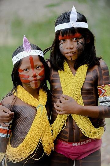 pintura corporal indigena para niños (1)