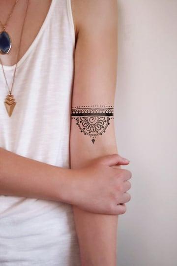 tatuajes chidos en el brazo de mandala