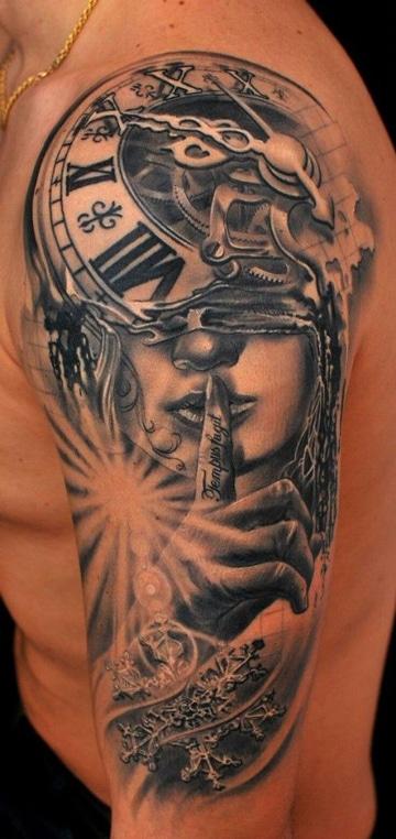 tatuajes de caras de mujeres estilo surrealista