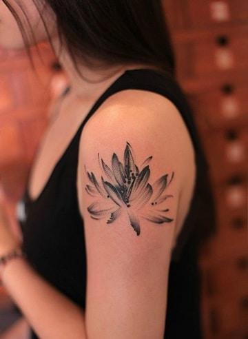 tatuajes de flores chinas para brazos