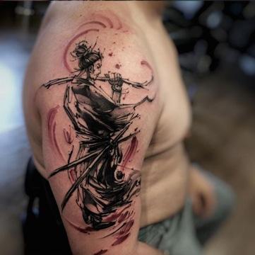 tatuajes de samurai en el brazo para hombres