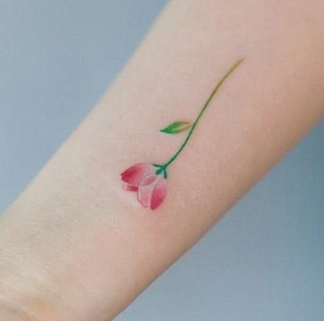 tatuajes tiernos para mujeres a color
