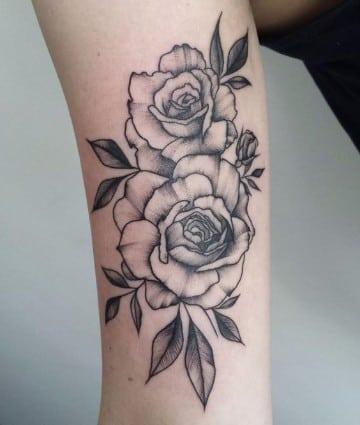 un tradicional significado de rosas en tatuajes catalogo de tatuajes para hombres. Black Bedroom Furniture Sets. Home Design Ideas