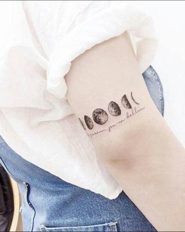 tatuajes de lunas pequeñas en fases