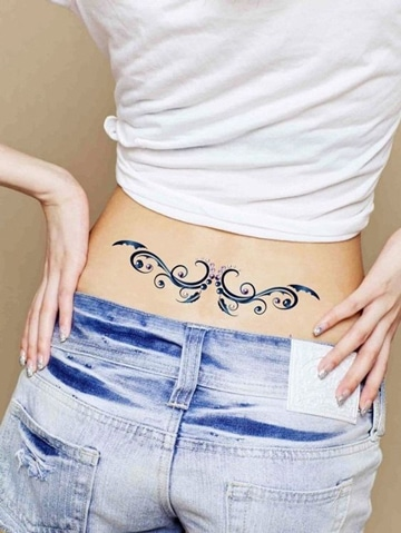 tatuajes en espalda baja para mujeres sensuales