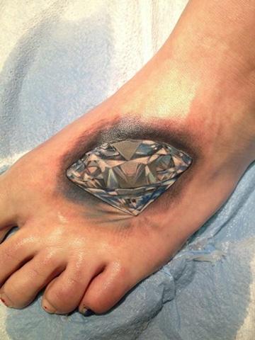 tatuajes de diamantes en 3d en pie