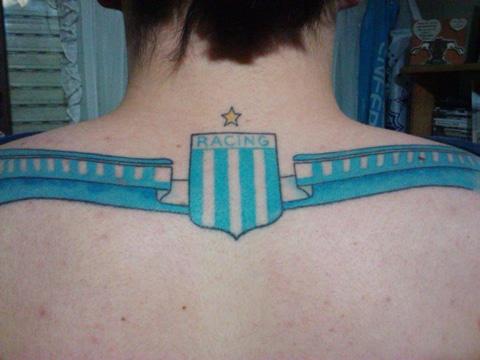 tatuajes de racing club en espalda