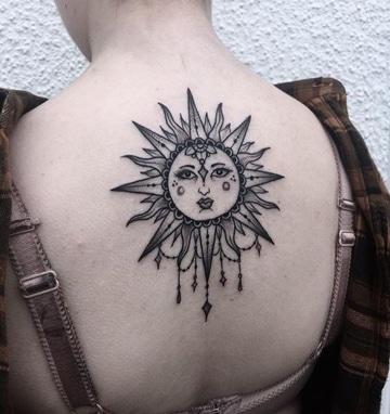 tatuajes de soles para mujeres en espalda