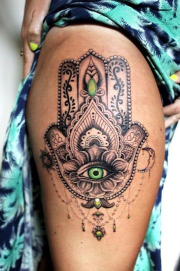 tatuajes en los muslos para mujeres jamsa