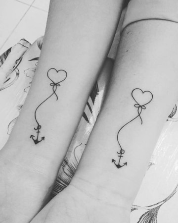 tatuajes que simbolizan amistad con corazon