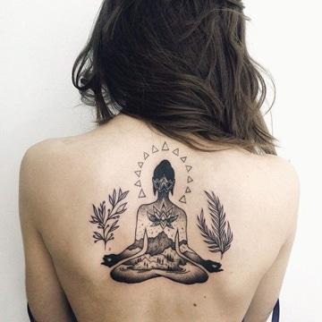 simbolos budistas para tatuar en espalda