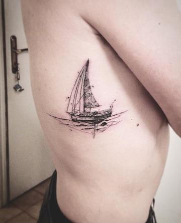 tatuajes de barcos piratas pequeños