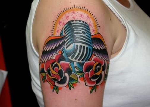 tatuajes de microfonos antiguos geniales