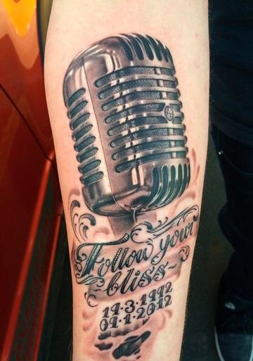 tatuajes de microfonos antiguos realisticos