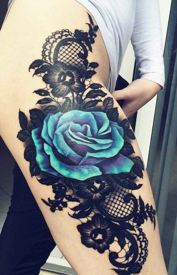 tatuajes de rosas en las piernas a color