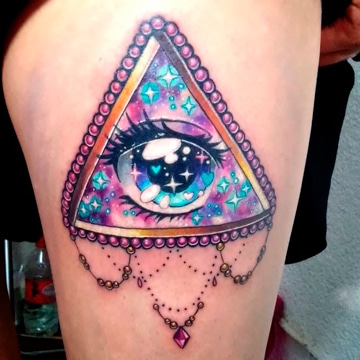 tatuajes del ojo que todo lo ve colorido