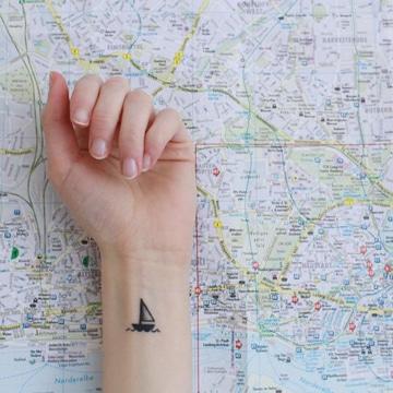 tatuajes pequeños para chicas en muñeca