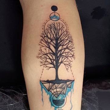 tatuajes que representen la vida arbol grande