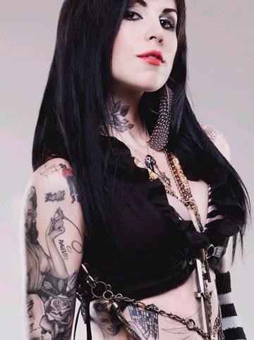 tatuajes rockeros para mujer diva