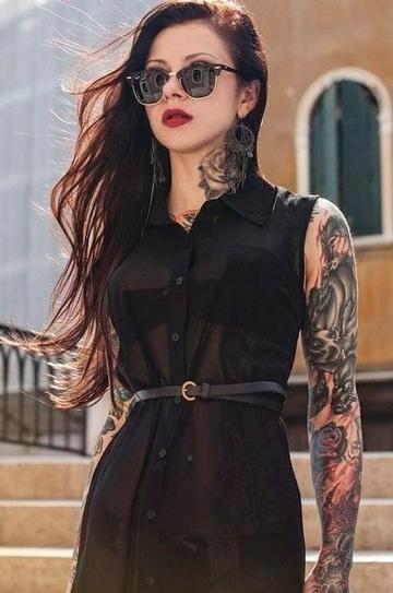 tatuajes rockeros para mujer libre