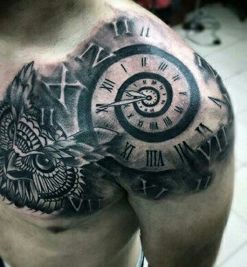 tatuajes de relojes en el hombro con animales
