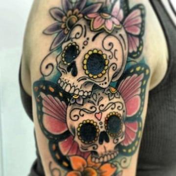 tatuajes de calaveras a color para hombre