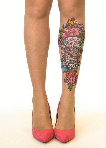 tatuajes de calaveras a color para mujer