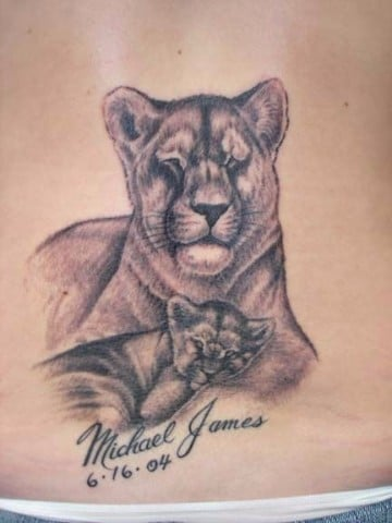 tatuajes de leonas con sus cachorros con letras