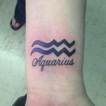 tatuajes del signo acuario para mujeres