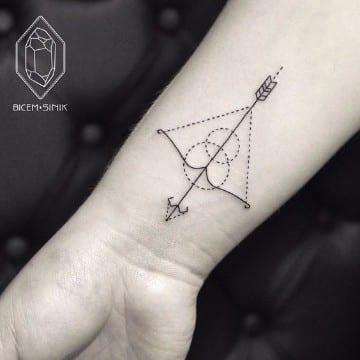 tatuajes del signo sagitario para hombres