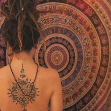 tatuajes para hippies mujeres